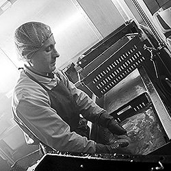 YRSFood, Derby Food Workplace Photographer Fish Processing Example 5